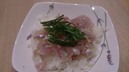 アジたたき丼ガーリック風味