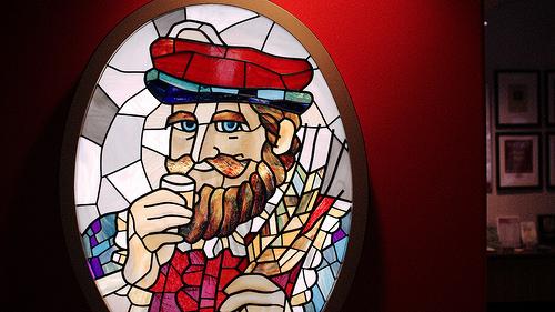 ウイスキー王様かステンドグラス