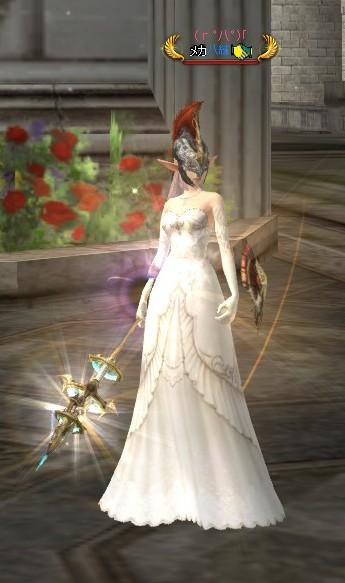 礼服で光る鉄兜
