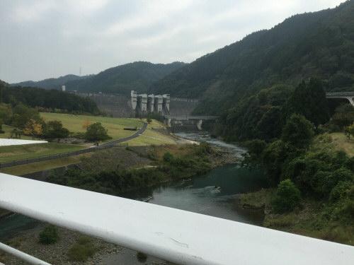 日吉ダム全景20151010