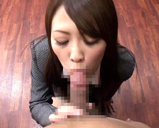 淫乱秘書のデカ尻コキやパンスト足扱きで大量射精の脚フェチDVD画像1