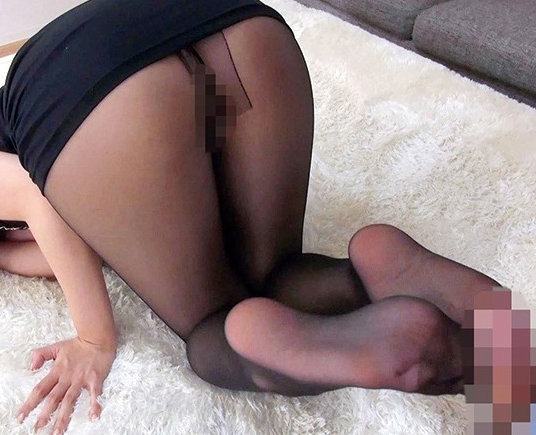 ムチムチ美脚のパンストお姉さんが足コキや着衣SEX抜きの脚フェチDVD画像3