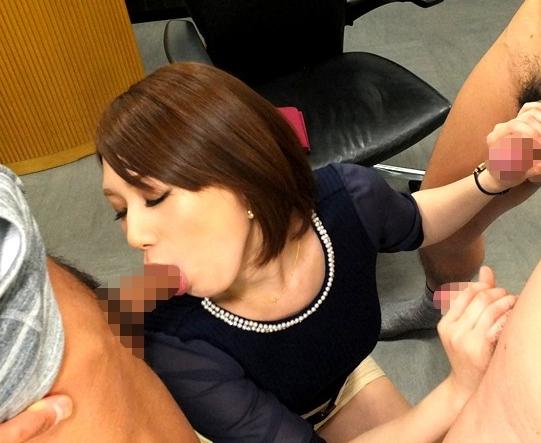 タイトスカート女教師が生徒の肉棒をパンスト美脚で脚コキ責めの脚フェチDVD画像2