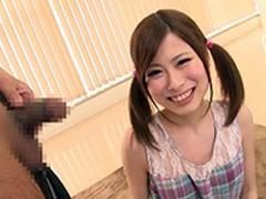 岡本ひかり 身長149cm、体重35kgの細すぎるパイパン美少女がフェラ抜き