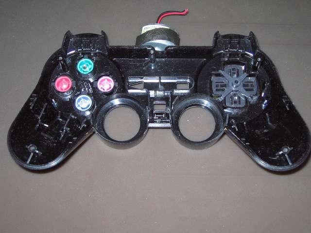 PS2 プレイステーション2 コントローラー DUALSHOCK 2 デュアルショック2 SCPH-10010 メンテナンス、組立作業 コントローラー本体上部プラスチックカバーにプラスチックボタン、十字キー、レバーサポート取り付け