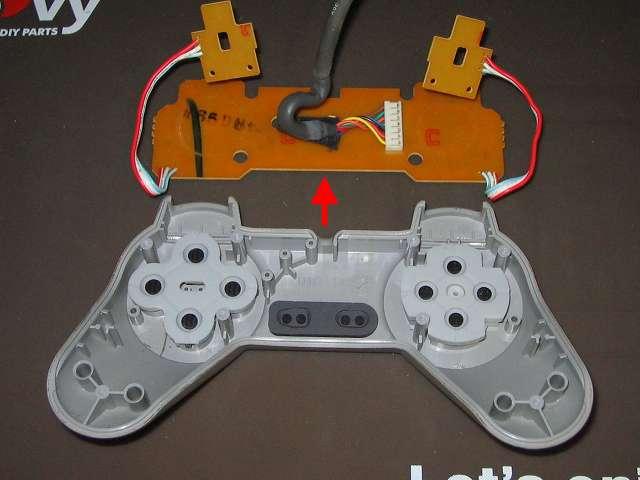PS プレイステーションコントローラー PlayStation Controller SCPH-1080 メンテナンス、分解作業 コントローラー本体から基板を取り外したところ
