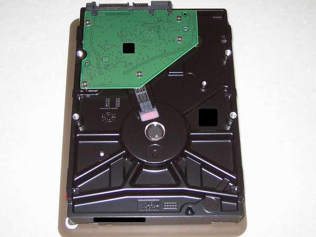 Amazon.co.jp 限定 Seagate HDD Barracuda 7200シリーズ 2TB メーカー保証 2年+1年 延長保証付き ST2000DM001/EWN (FFP) 2015年9月購入 ST2000DM001 1ER164-302 CC26 Thailand 基板側