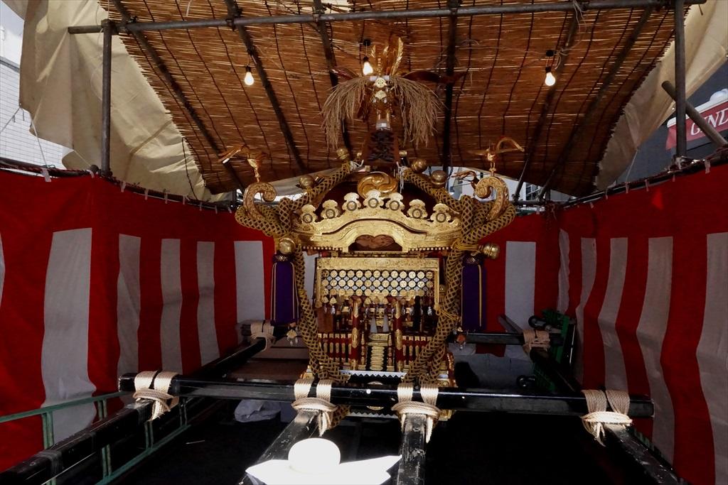 富志美会の神輿