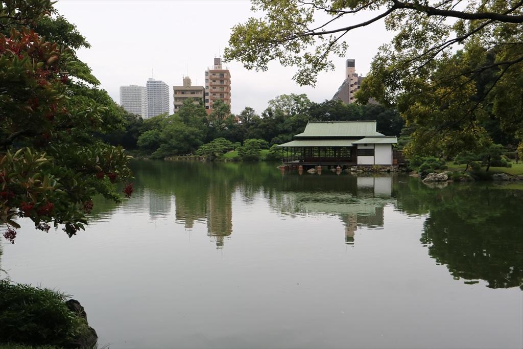 再び、池の周りの小道に_4