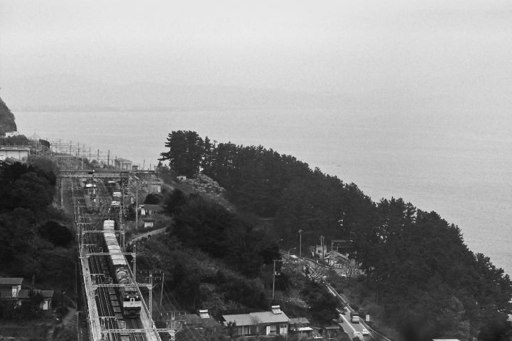 s6112根府川_貨物列車
