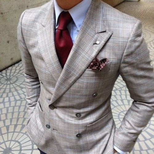 17-patterned-suits-to-spruce-up-your-grooms-look-8-500x500.jpg