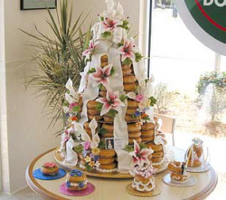 クリスピークリーム_ウェディングケーキタワー