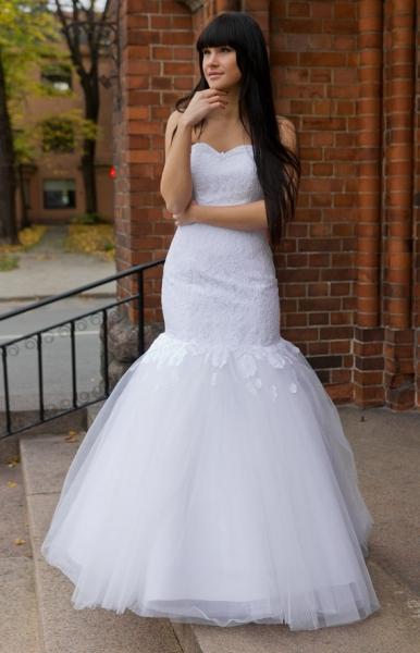 アリエルウェディングドレス