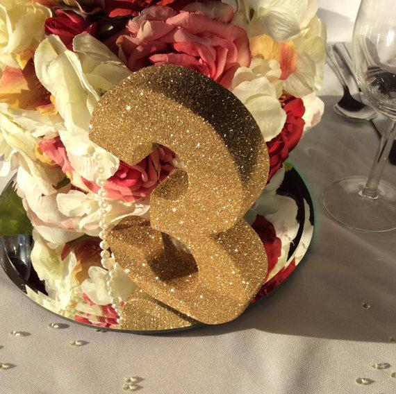 グリッターゴールドのテーブルナンバー5