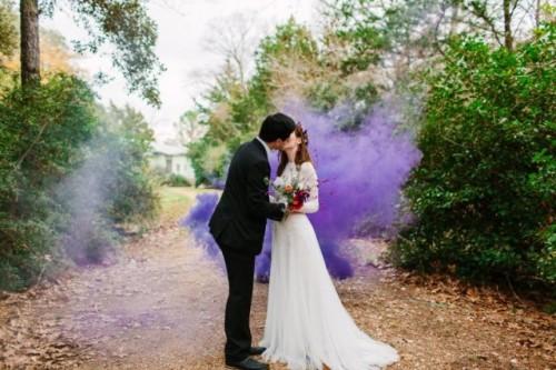 21-Awesome-Smoke-Bomb-Wedding-Ideas-500x333.jpg
