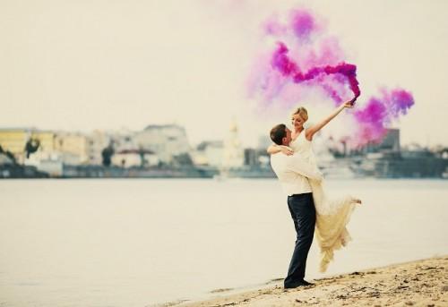 21-Awesome-Smoke-Bomb-Wedding-Ideas8-500x343.jpg
