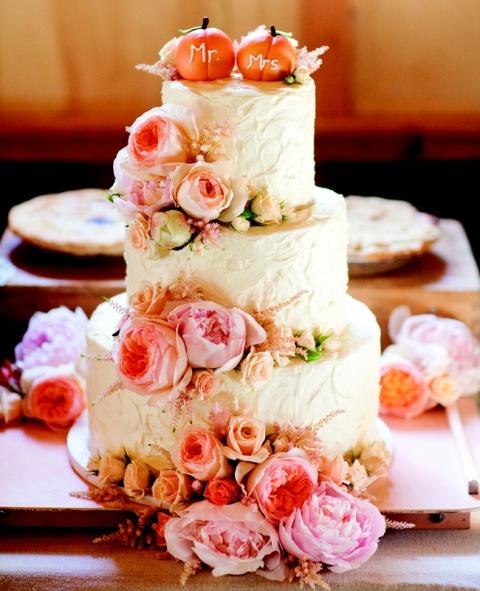 22-Pumpkin-Wedding-Cake-Ideas-For-Fall15.jpg