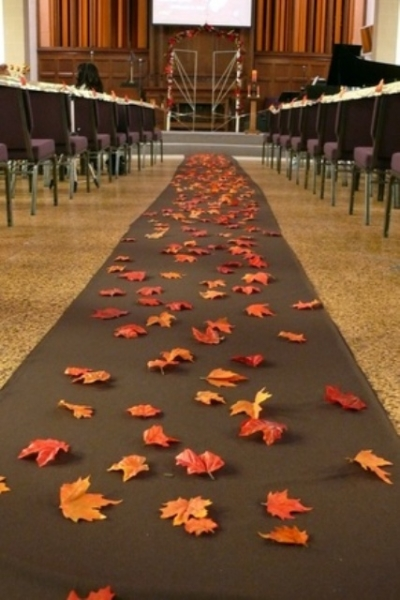 25-Romantic-And-Bright-Ways-To-Incorporate-Fall-Leaves15.jpg