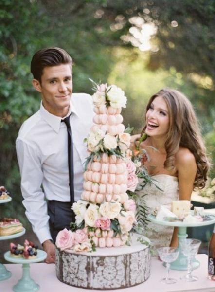 25-trendy-and-unique-macaron-tower-wedding-cakes-1-500x679.jpg