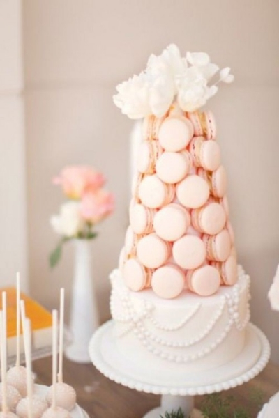 25-trendy-and-unique-macaron-tower-wedding-cakes-10-500x750.jpg