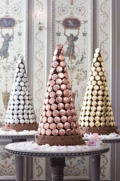 25-trendy-and-unique-macaron-tower-wedding-cakes-12-500x754.jpg