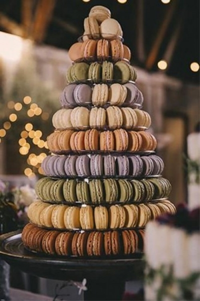 25-trendy-and-unique-macaron-tower-wedding-cakes-4-500x750.jpg