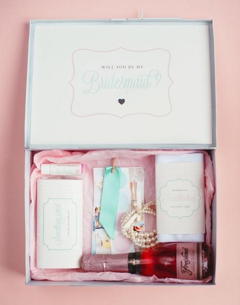 DIY-bridesmaid-gift-box.jpg