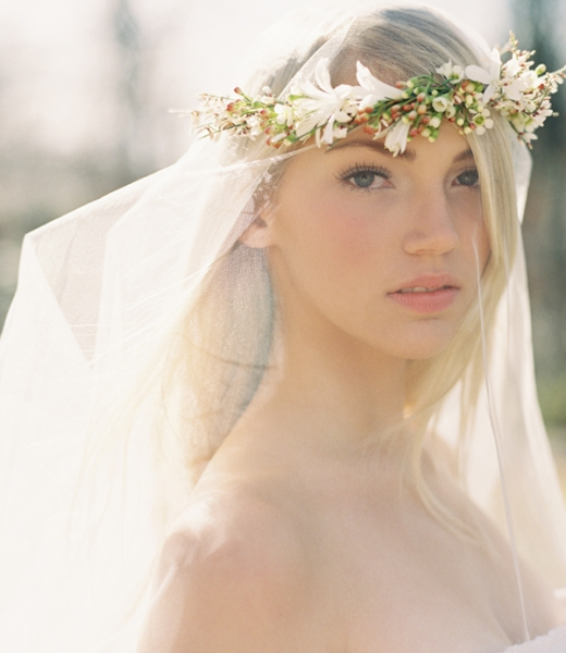 flower-crown-for-wedding-veil.jpg
