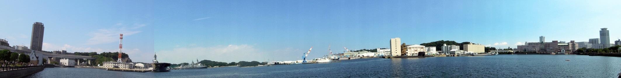横須賀港全景