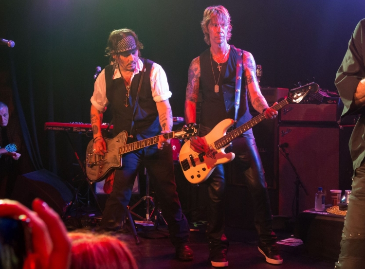 Johnny-Depp-Hollywood-Vampires (1)