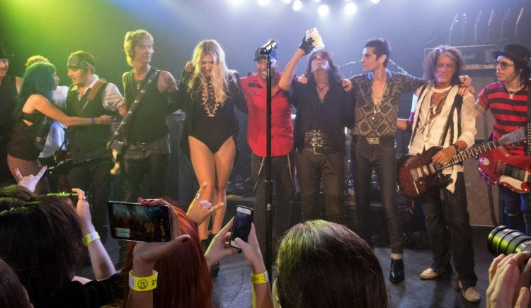 Johnny-Depp-Hollywood-Vampires (2)