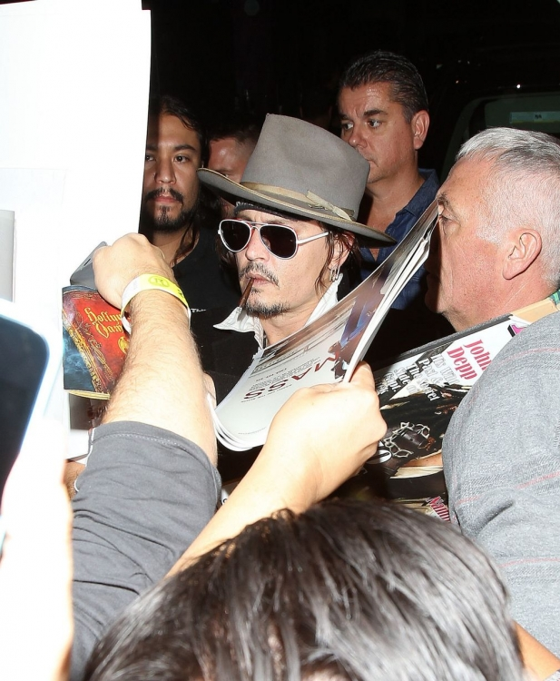 Johnny-Depp-Hollywood-Vampires (3)