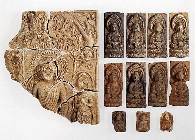 夏見廃寺出土セン仏(奈良国立博物館蔵)