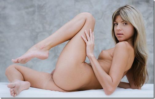【世界の快道でイク!】米で人気のロシア生まれのロリカワポルノスター、Gina Gersonのエロ画像【55枚】30