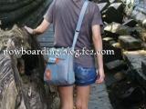 海外旅行 街歩きバッグ
