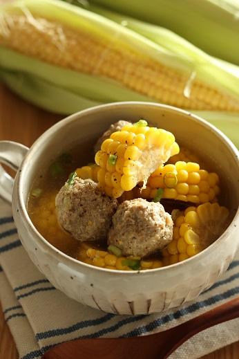 とうもろこしと肉団子のスープ煮