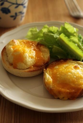 マッシュポテトとチーズのイングリッシュマフィン
