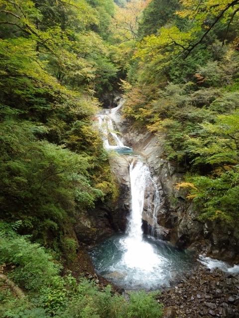 IMGP3151 七ツ釜五段の滝 (480x640)