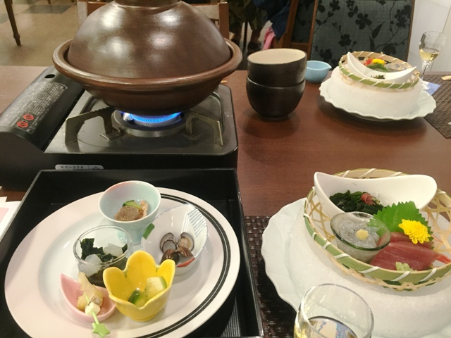 大洗ホテルの手元の料理