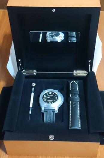パネライ(PAM00510)の箱と時計