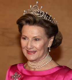 queen-sonja-crown.jpg