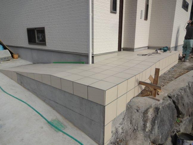 S邸 外構工事 テラスタイルと外柵CB塀積み 完了