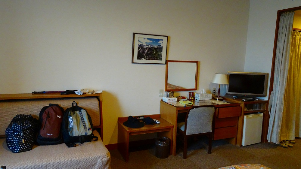 ホテル立山 部屋と和食の夕食 (2015年9月)