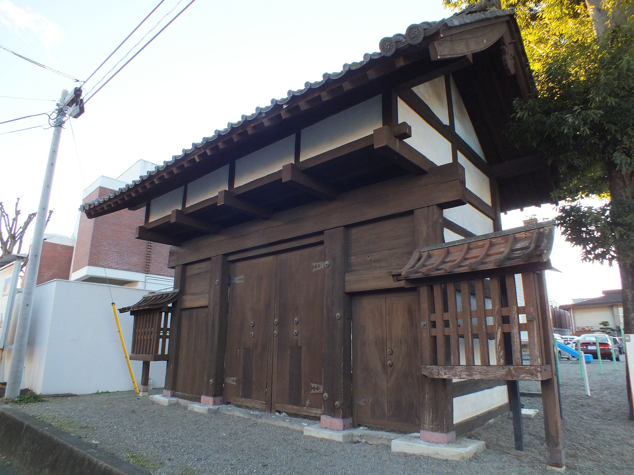 w300h300AC0NPMP3吉井陣屋・陣屋門